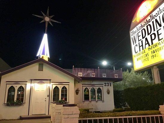 Wee Kirk O' the Heather Wedding Chapel: Beautiful chapel