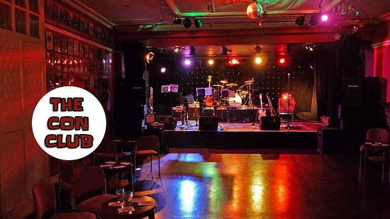 Lewes, UK: The concert room at the Con CLub, where all the action takes place!