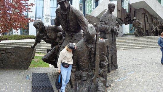 Jewish Ghetto Memorial : Warsaw Uprising Memorial