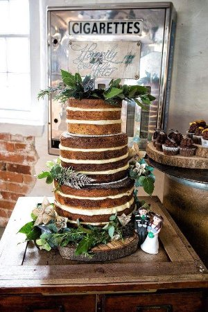 Northamptonshire, UK: Bespoke wedding cake