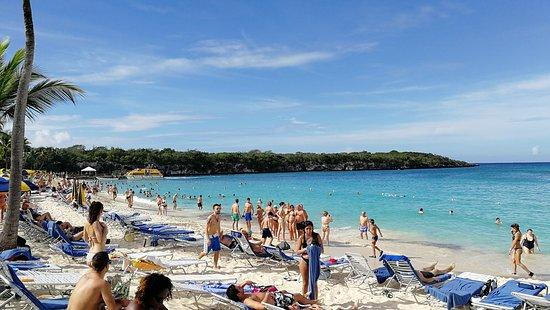 La Romana Province, Dominikanische Republik: Panoramica della spiaggia