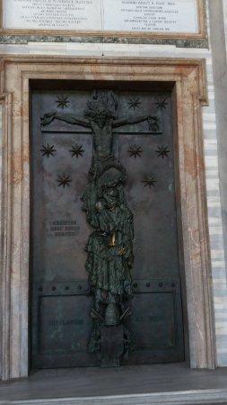 Arcibasilica di San Giovanni in Laterano: Entree