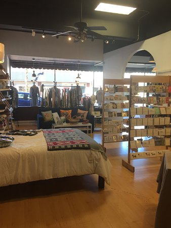 Waynesville, Βόρεια Καρολίνα: Tia Dana is not just a yarn shop...there's so much more!