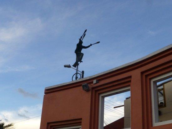 Plaza Del Chorro Del Quevedo: Estatua