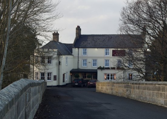 Longframlington, UK: A view of the front of the hotel