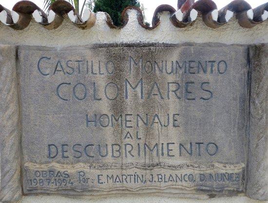 Castillo de Colomares: Sign at the front entrance