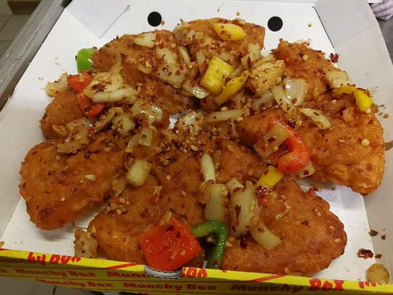 Grangemouth, UK: NEW!!! Salt and pepper chilli deep fried Pizza Crunch!! Come and try