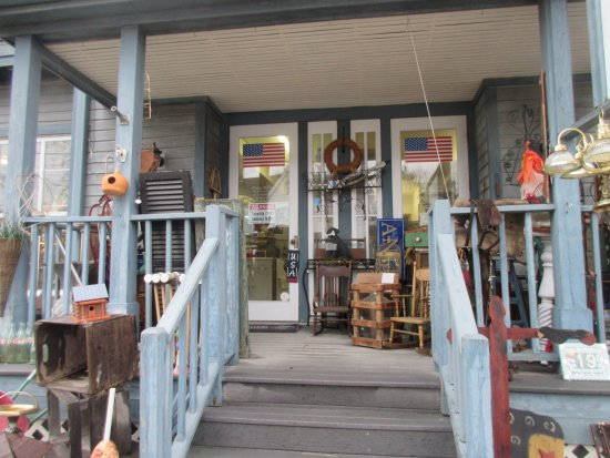 Maryland: Antiques anyone at Stevensvill?