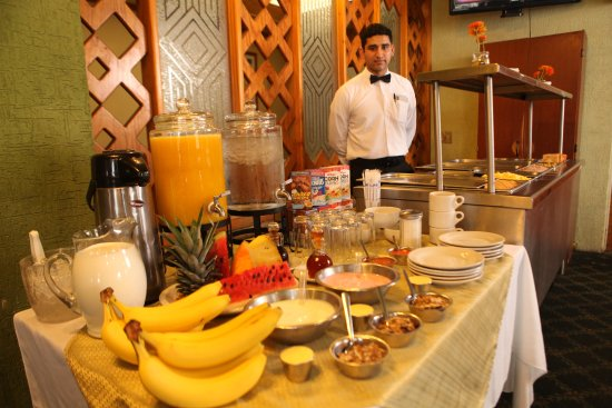 Ciudad Victoria, Mexico: La renta de tu habitación incluye 2 desayunos buffet de cortesía.