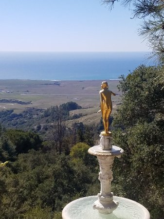 Hearst Castle: Views from the castle.  Great time