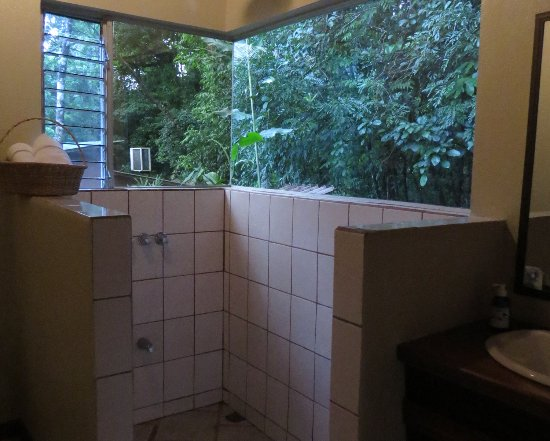 Chachagua, Kosta Rika: Shower with a view