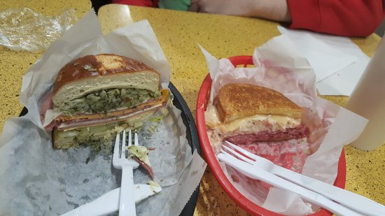 Clayton, Μιζούρι: Left one is the Special Combo, right one the Reuben.