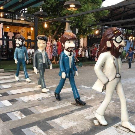 Trang, Thailand: มีของขาย พวกเสื้อผ้าวัยรุ่น มีมุมถ่ายรูปแนวๆ สวยๆ ชิคๆ