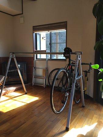 Mizumitei : 自転車が置かれた店内