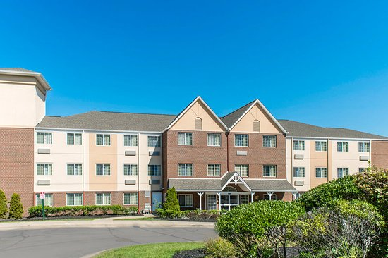 MainStay Suites Pittsburgh Airport: Exterior