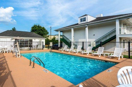 Auburn, AL: Pool