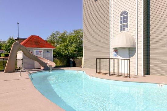 Econo Lodge Sevierville: Pool