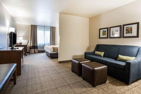 Comfort Suites Foxfire @ Par4 Resort: Suite