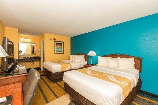 Albertville, AL : Guest room