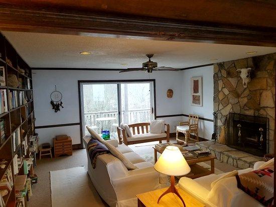 Fire Mountain Inn: 20180216_145815_large.jpg