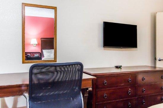 Lanett, AL: Guest room