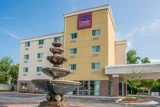 Comfort Suites Huntsville: Exterior