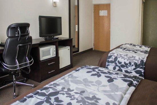 Athens, AL: Guest room