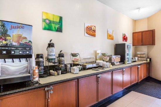 Quality Inn & Suites Irvine Spectrum: Restaurant