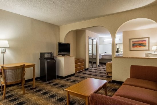 Oakwood, GA: Suite