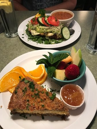 Wildflower Cafe : Make sure to use the mango(?) sauce on the pecan crust