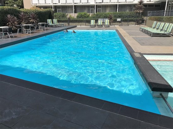 The vibe swimming pool and gym area picture of vibe hotel carlton melbourne melbourne for Swimming pools melbourne prices