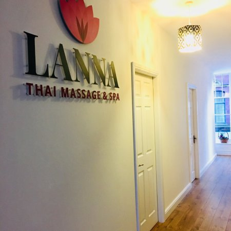 ‪Lanna Thai Massage & Spa‬