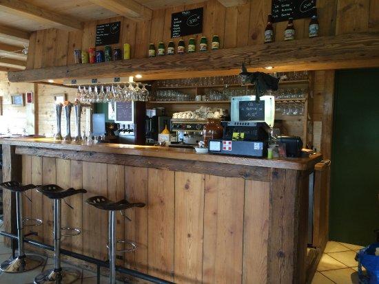 Demi-Quartier, França: Le bar..