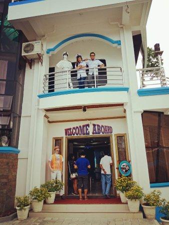 Shiphaus bohol island philippines updated 2018 top for Jardin necitas