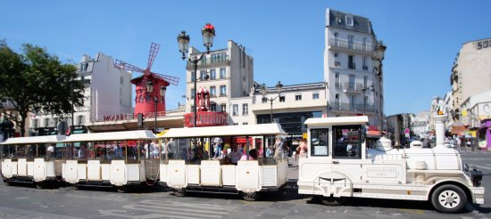 ‪The Little Train of Montmartre (Le Petit Train de Montmartre)‬