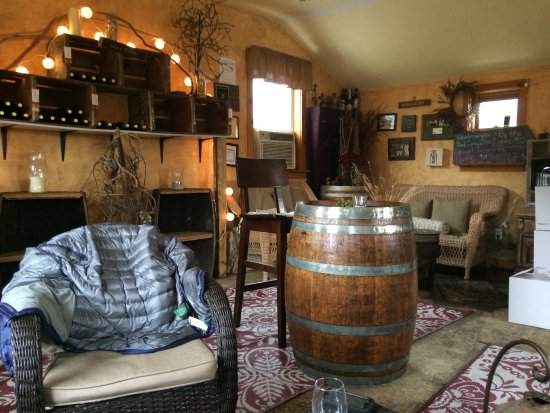 Preston, CT: Winter tasting room
