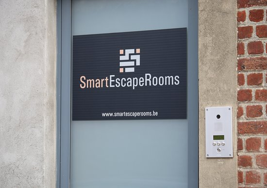 ‪Smart Escape Rooms‬