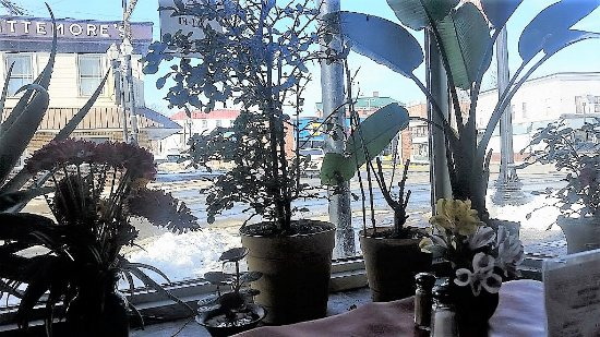 Skowhegan, Μέιν: View of the street from our table