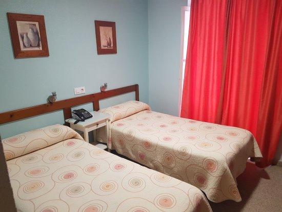 Hostal Bahia, hoteles en Cádiz
