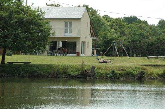 Chahaignes, فرنسا: L'autourserie, Carp fishing.