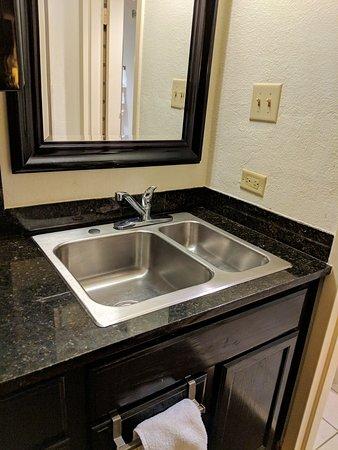 Baymont by Wyndham Murfreesboro: Kitchen sink is your vanity sink, too.