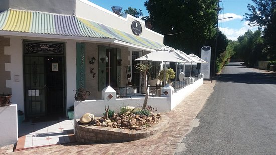 Calitzdorp, South Africa: Penny's Place. Coffee shop & Gallery. Queen Street. Delicious home bakes. Lovely art. Warm welco