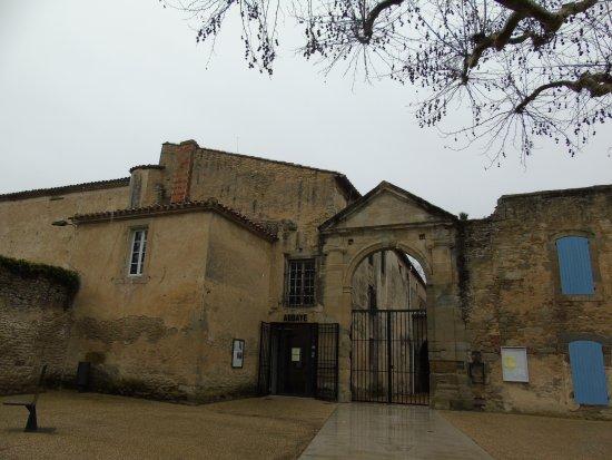 Saint-Papoul, Francia: entrée de l'abbaye