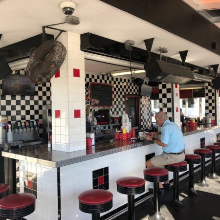 Фотография Hob Nob Drive In Restaurant