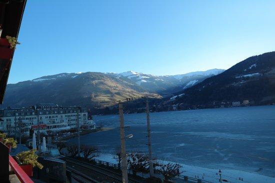 Hotel Seehof: Blik over het meer van Zell am See, heerlijk om op je balkon te zitten en te genieten