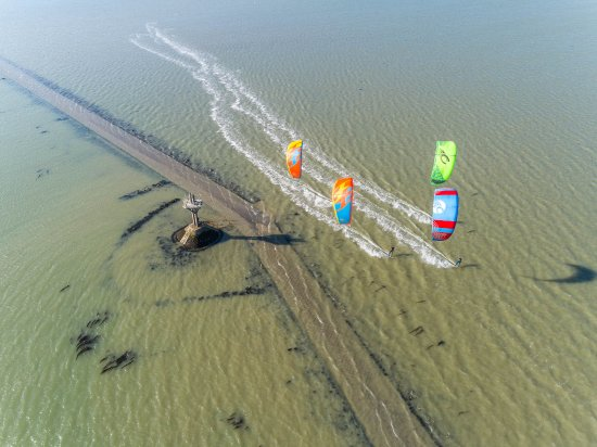 Fromentine, ฝรั่งเศส: Navigation le long de la fameuse route submersible du Gois en Vendée