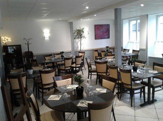 Saint-James, Francia: salle de restaurant