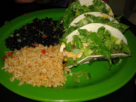 Baxter, Μινεσότα: Carnitas Pork Tacos $10.99