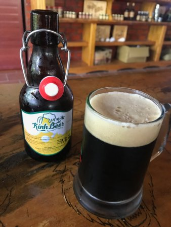 Đảo Phú Quốc, Việt Nam: One of the two sort of beers they're brewing there