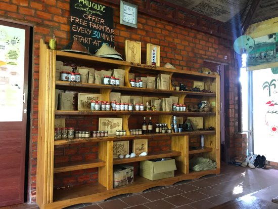 Đảo Phú Quốc, Việt Nam: They also have a small shop where you can buy the products of the farm